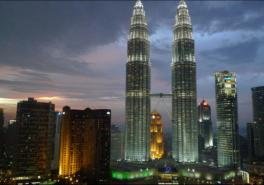 Skip the Line Kuala Lumpur Petronas Twin Towers - Free delivery at the hotel