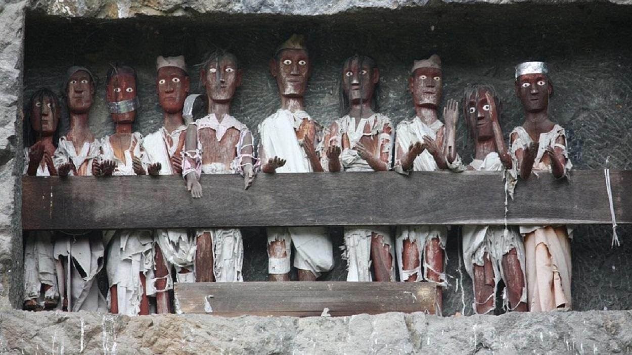 13 Strange Funeral Traditions Around The World Triphobo Travel Blog