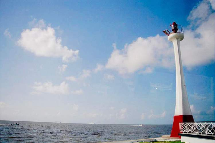 Baron Bliss Lighthouse - one of the free things to do in Belize City