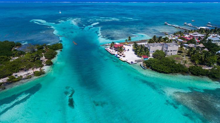 Caye Caulker - a beach near Belize City to relax