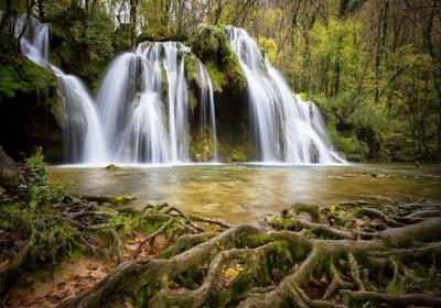 15 Best Waterfalls In The US That Will Captivate Your Senses