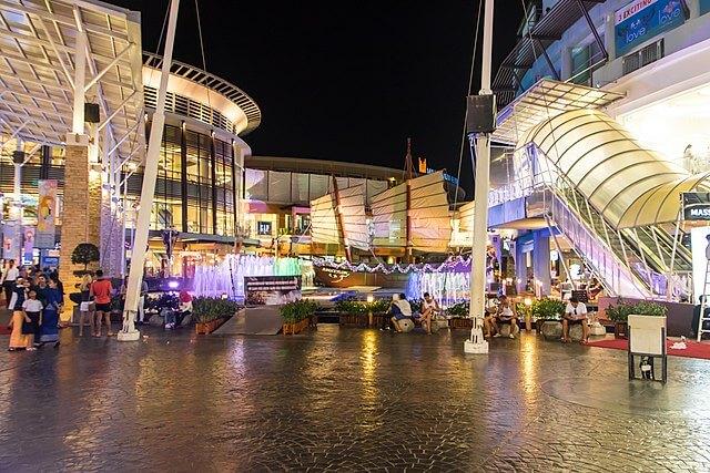 media_gallery-2018-08-7-10-phuket_shopping_afcc14aca43848baff587c3d795ce86d.jpg
