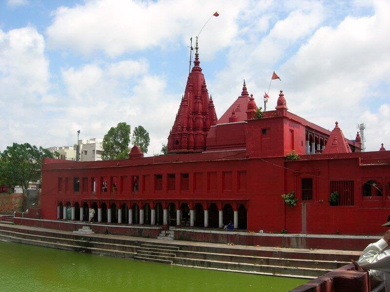 media_gallery-2018-09-21-8-Durga_Temple__Varanasi_e70a6717526f933eb8fa41d9054b6191.jpg