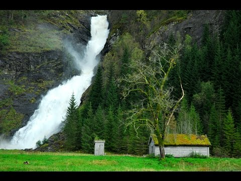 media_gallery-2018-09-28-9-Huldefossen_Waterfall_Toilet_db77916f8402f311c97a6f7d468f24ed.jpg