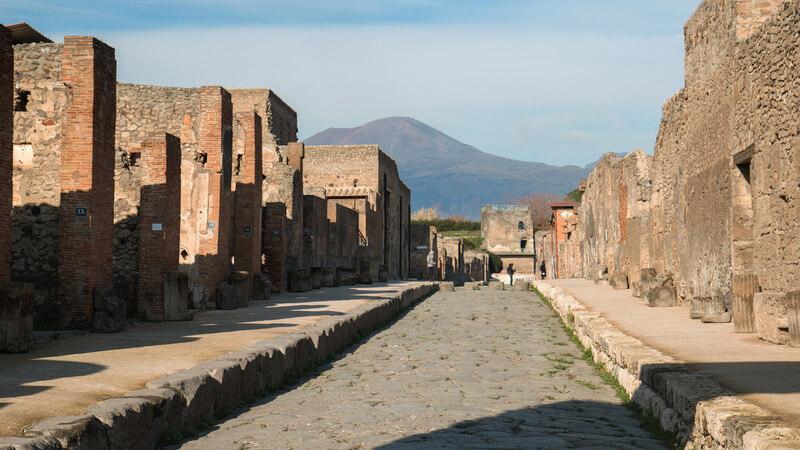 media_gallery-2018-12-18-12-Pompeii_and_Amalfi_Coast_Day_Tour_from_Naples_All_Inclusive123_e5014039bdea65a8cbd725abc3cc2046.jpg
