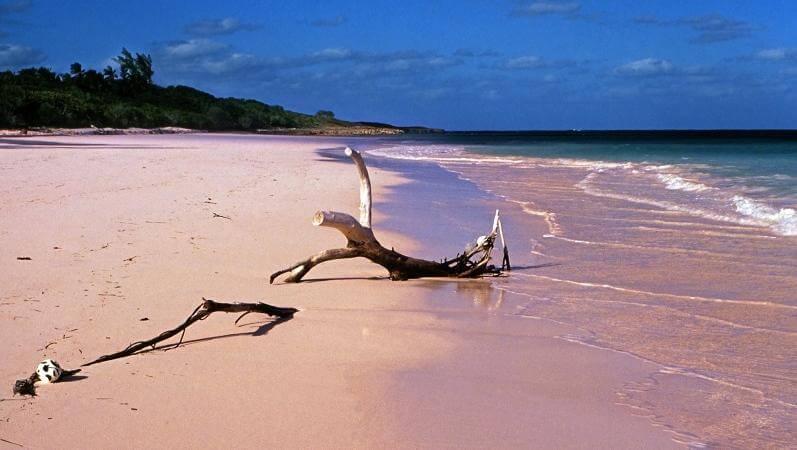 romantic islands in world