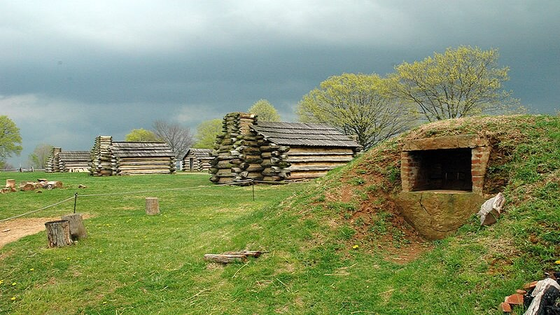 media_gallery-2019-01-23-12-800px_Valley_Forge_oven_and_cabins_9544debc8cca7ef7bb2a615d9ccaf4ba.jpg