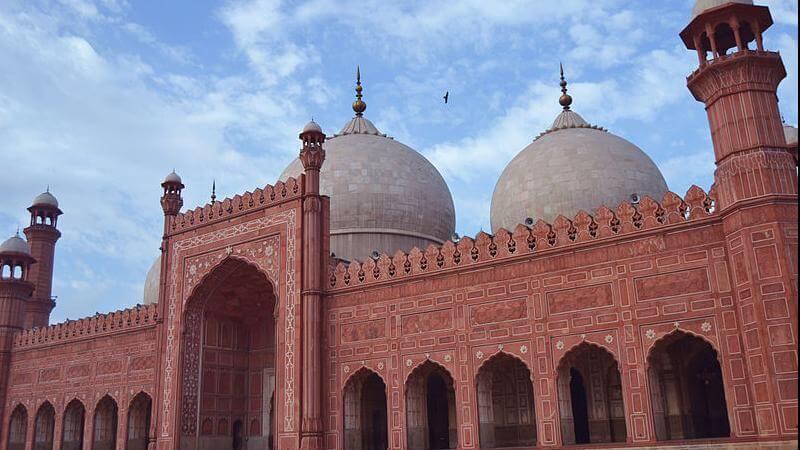 media_gallery-2019-01-30-10-Badshahi_Mosque_6c5c78a494f1b9f02b1f09097997d72f.JPG