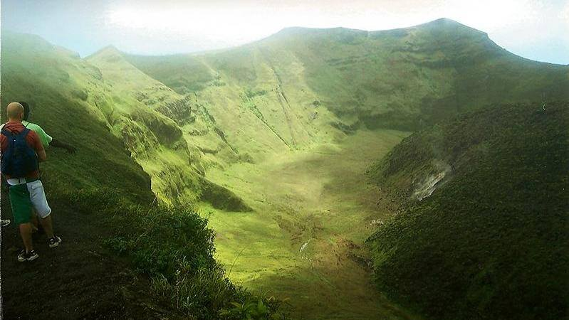 media_gallery-2019-10-11-12-Trail_the_summit_of_La_Soufriere_Volcano_0482317e98c2552688145059b5641513.jpg
