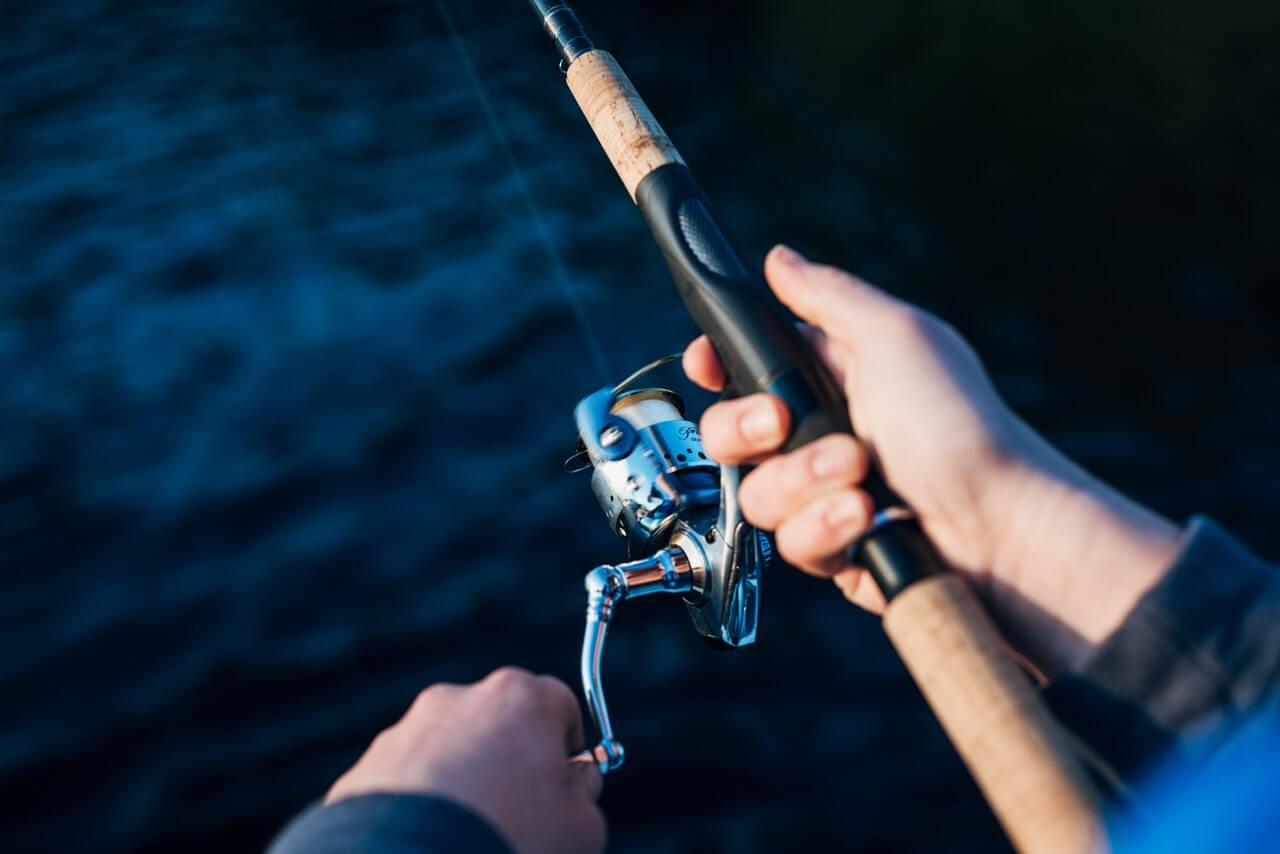 media_gallery-2019-12-20-9-photo_of_person_holding_fishing_rod_2473502_e5ada369927241e85805909c298525d5.jpg