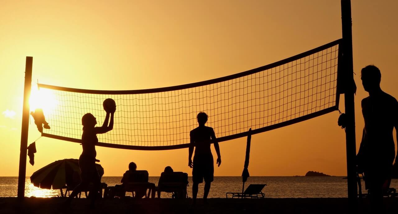 media_gallery-2020-01-21-9-silhouette_photography_of_people_playing_beach_volleyball_2444852_89cc0909fb5f1476626b04cc23abee9f.jpg