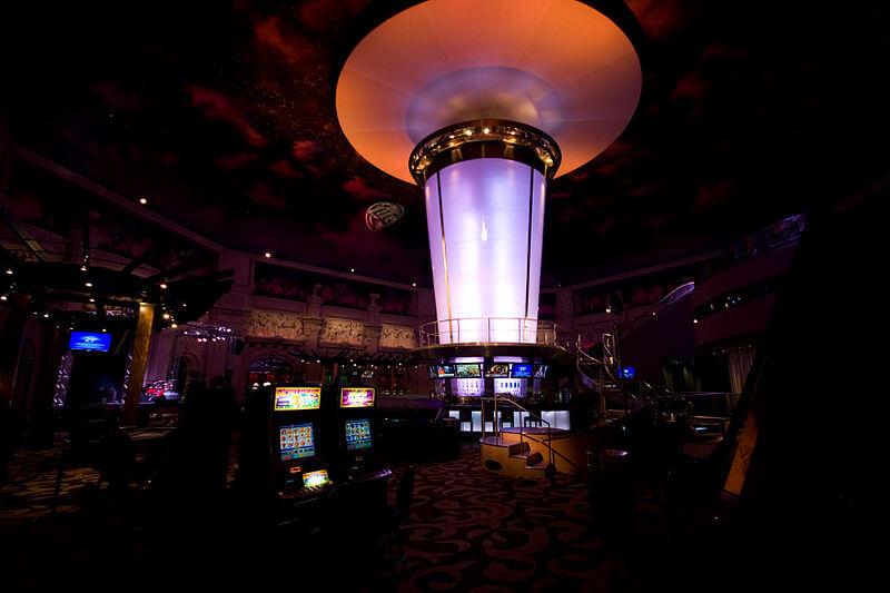 media_gallery-2020-03-11-8-800px_The_Bar_at_Harrah_s_Casino_82df33504a8cd90efc50334075612527.jpg