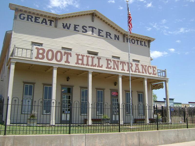 media_gallery-2020-03-9-11-800px_Boot_Hill_Museum_Entrance__Great_Western_Hotel__7185f9b425601fe466557d510cb08020.jpg