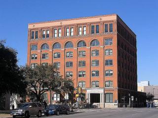 Sixth Floor Museum, Dealey Plaza