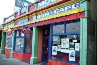Mojos Music Pub