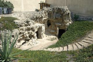 Anfushi Tombs