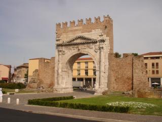 Arco D' Augusto