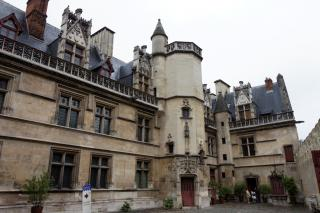 Musee National du Moyen Age-Thermes et Hotel de Cluny
