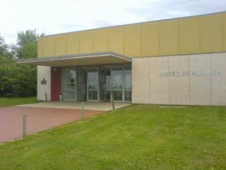 Museo Y Cuevas De Altamira
