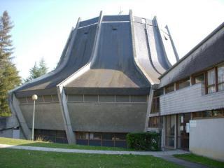 Saint Pierre De Pau Church