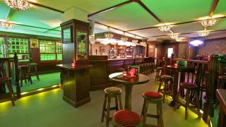 Paperla Pub