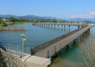 wooden bridge from rapperswil to hurden