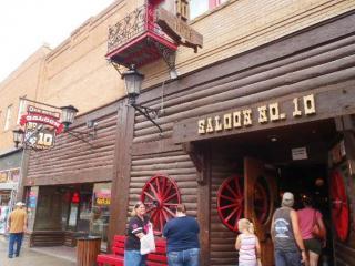 Saloon No. 10