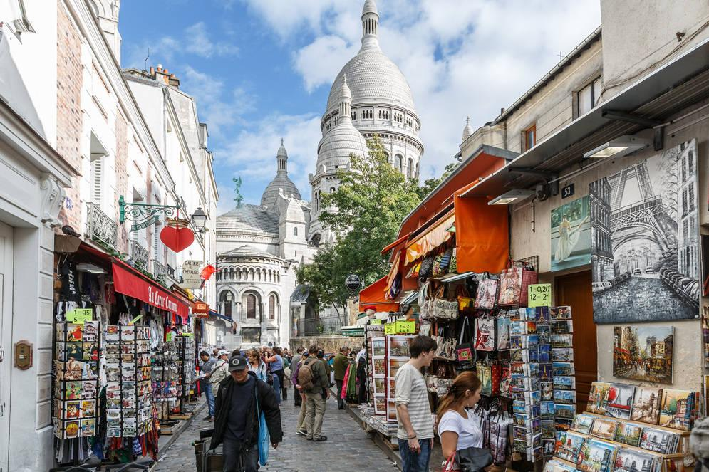 Hidden montmartre guided tour of the artists quarter for Visite autour de paris