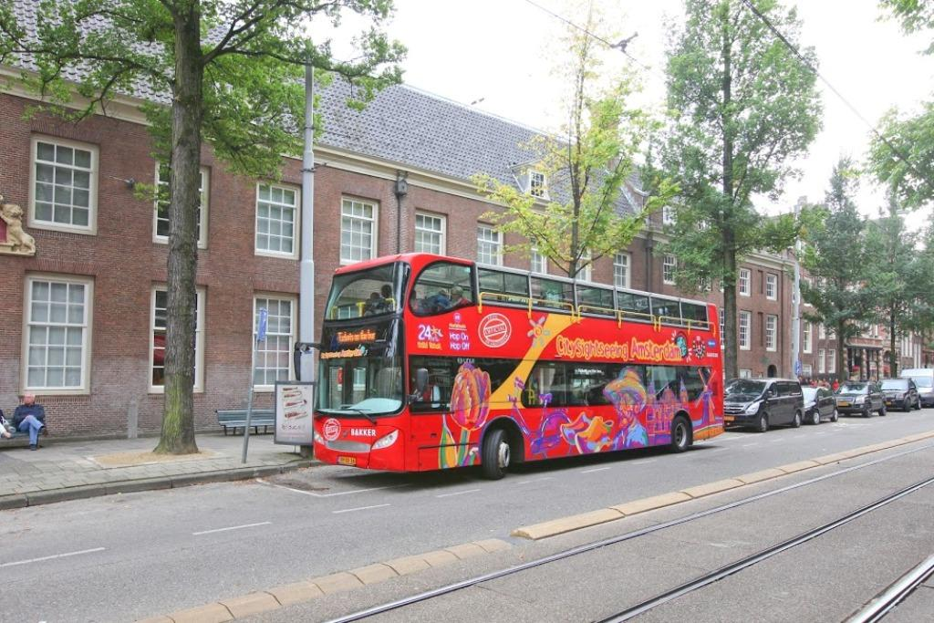 Hop On Hop Off City Sightseeing Amsterdam By Bus 24 Hours