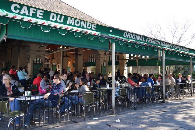 media_gallery-2015-07-10-5-cafe_du_monde_a847218a8f56b9764913e9cedd644b8d.jpg