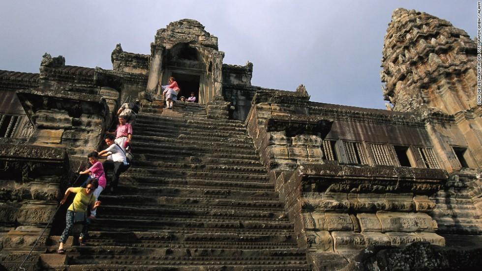 media_gallery-2015-07-17-15-ANGKOR_WAT_TEMPLE_STAIRS_cAMBODIA_4ddea1a6f1c9497ff2a085dc23dc307d.jpg