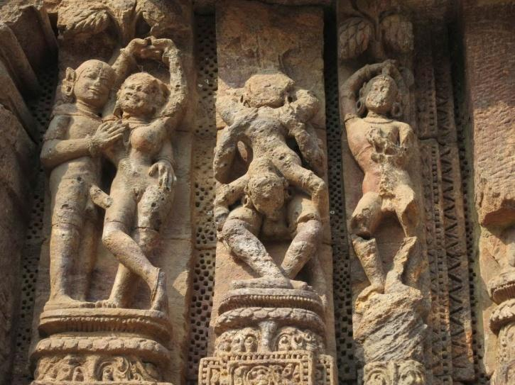 write an essay about the indian temple sculptures
