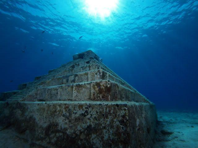 Underwater Ruins in Japan - One of the Mysterious Place Underwater