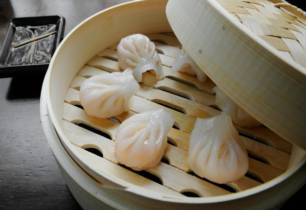 dim sum essays Although its dim sum in english, dim sam in cantonese, and dian xin in mandarin, most people in the mainland use 饮茶 or yin cha to get a cantonese style breakfast.