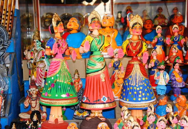 15 Best Indian Souvenirs That Are Hard To Get Anywhere
