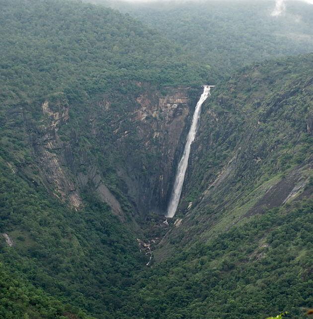 Thalaiyar Falls near Kodaikanal, Tamilnadu