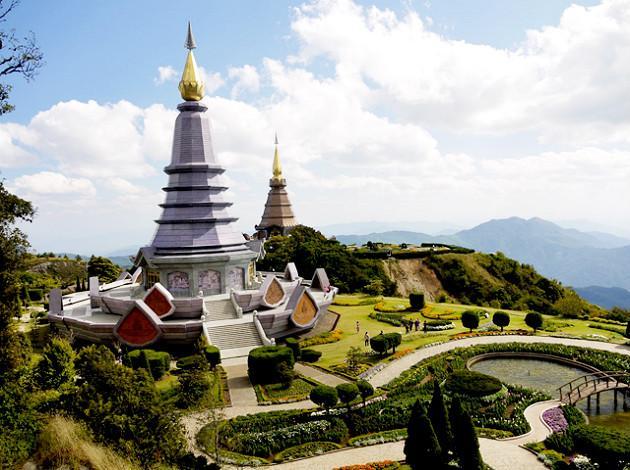 backpacking thailand landscape