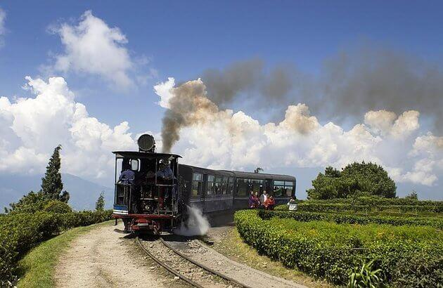 The charming hill station - Darjeeling