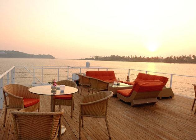 Romantic dinner in Goa