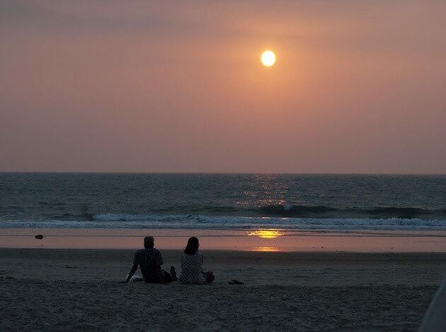 Stroll on the beach a must do on honeymoon in Goa