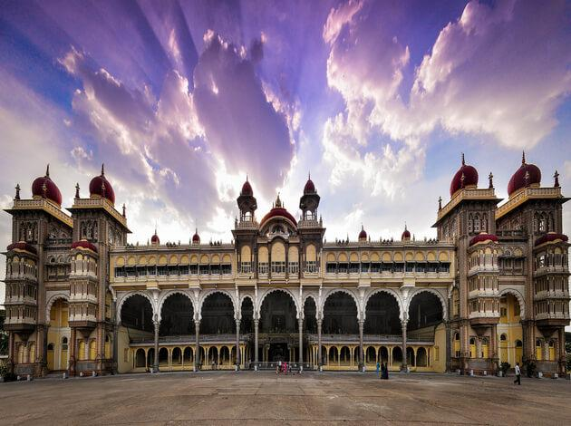 Mysore - place to visit in India under 10000