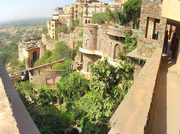 neemrana fort - a day trip from Delhi