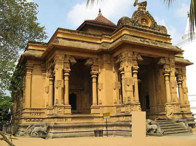 ancient temples in Sri Lanka