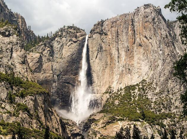 tallest waterfall in USA