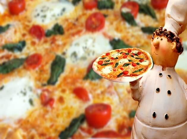 Weird Pizza Toppings Around the World