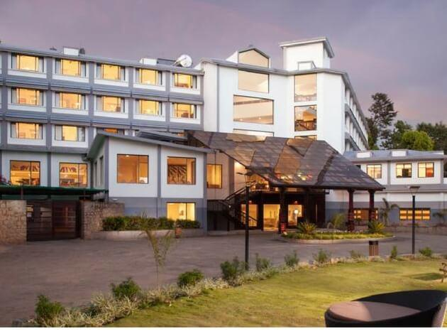 best 4 star resort in Munnar