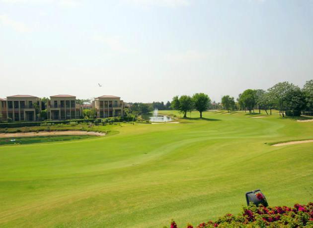 luxury resort in Manesar for the golfers