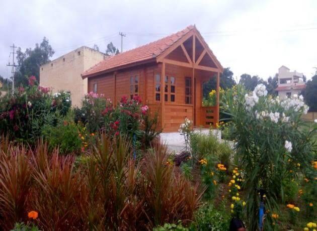 Leo Wodden Resort - Top Hampi resorts and hotels