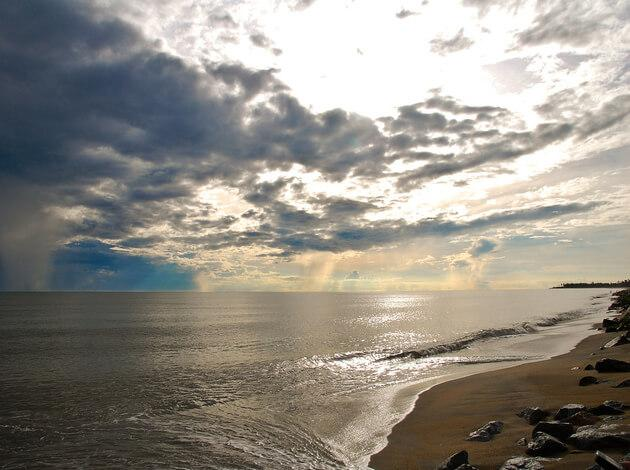 Pantai Cahaya Bulan