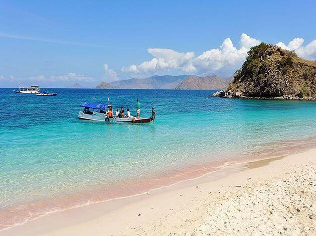 Pink Beach - the most romantic place in Indonesia